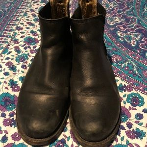 Frye black leather Chelsea boots size 8
